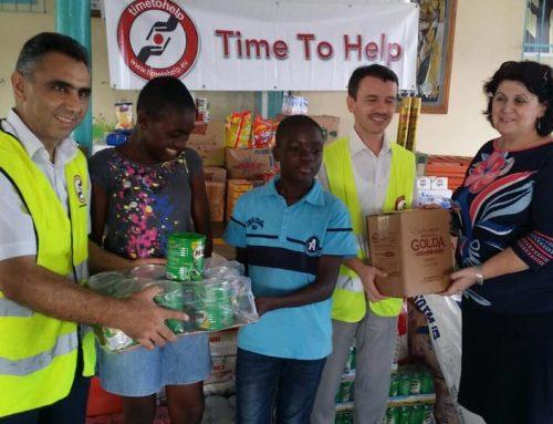 Voedselhulp aan 60 verlaten- en weeskinderen in Abidjan, Ivoorkust